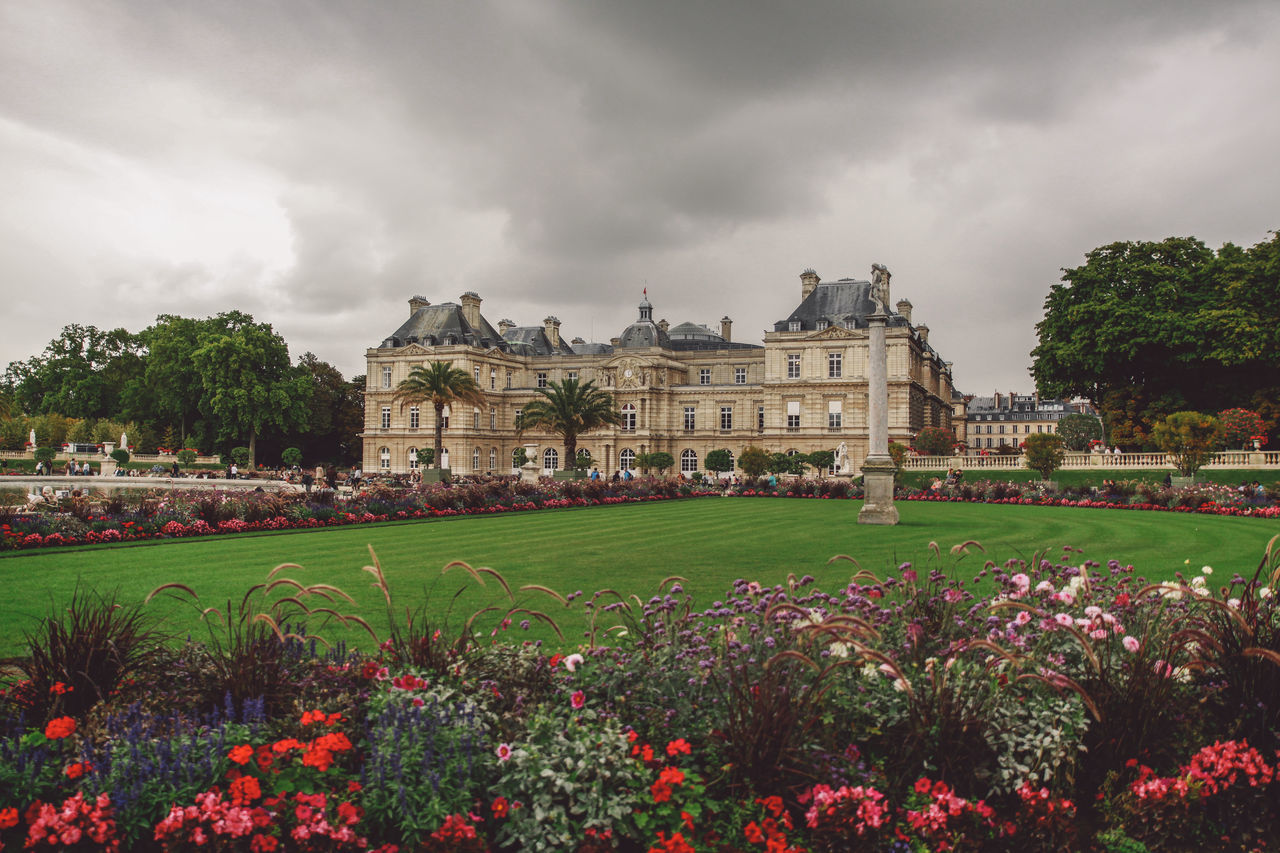 Architecture Beauty In Nature Built Structure Cloud Cloud - Sky Cloudy Day Façade Flower Formal Garden Fragility Grass Green Color Growth Jardin Du Luxembourg Lawn Nature No People Outdoors Overcast Plant Sky Tourism Travel Destinations Tree Neighborhood Map