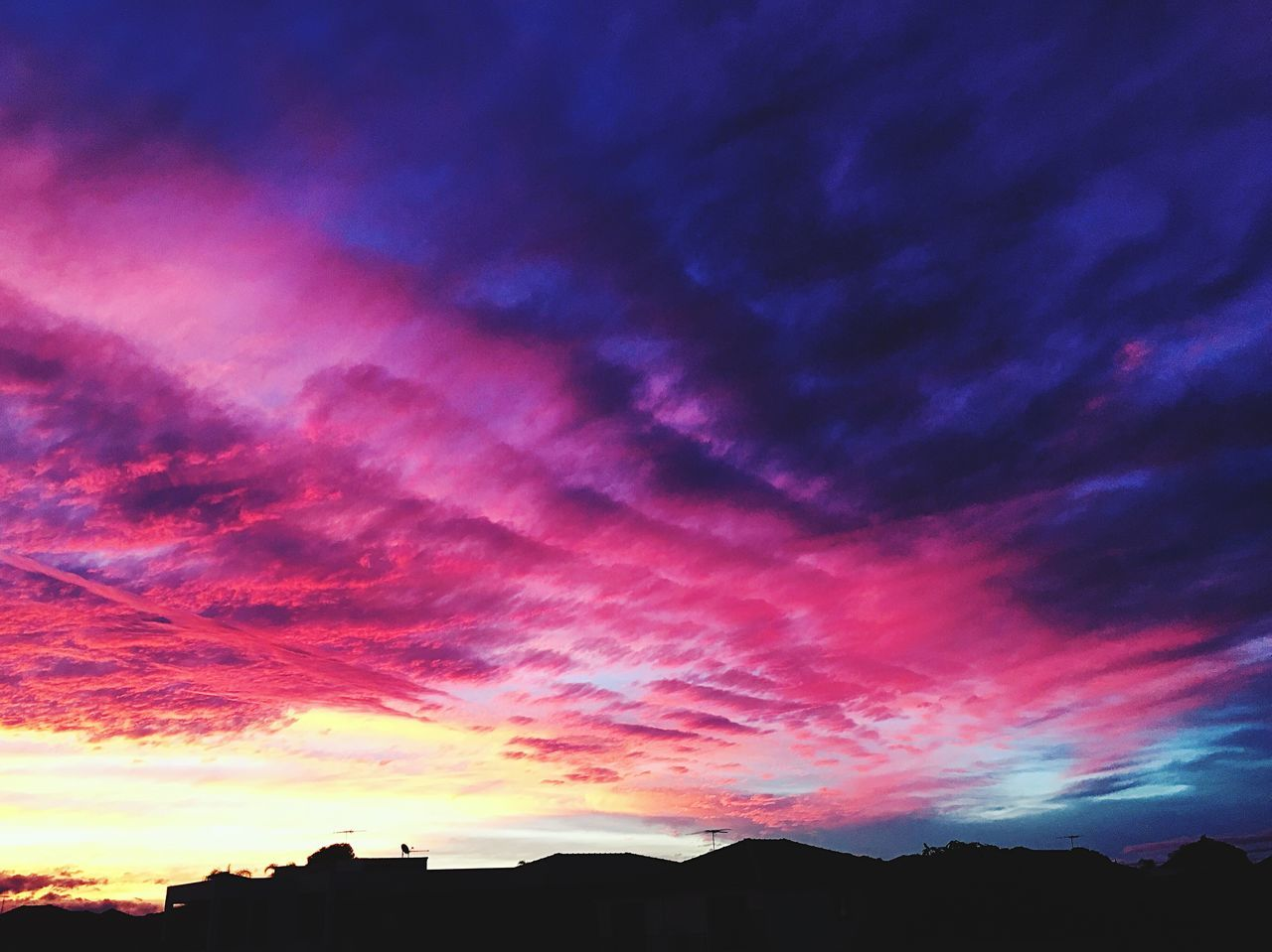 Sky Sky And Clouds Sky_collection Colors Colorful Pink Purple Outdoors Skylovers Pinksky Sunset Sunset_collection Sydney Iphonephotography