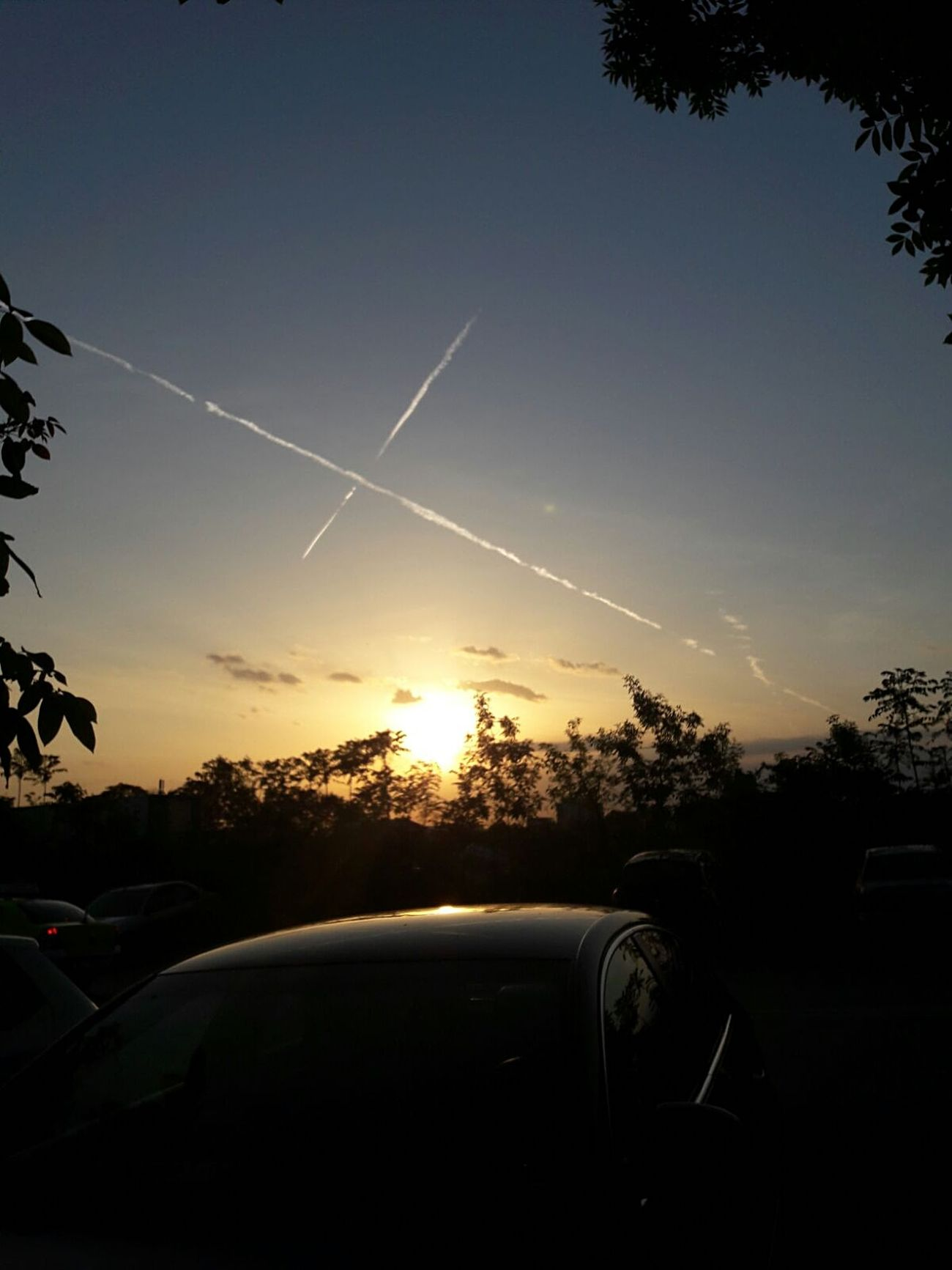 Enjoy the little things 💗 ☀ Sunset Tree Car Nature Sky Beauty In Nature Nature Lover🌳🍃🍂🌿 Blue & Orange Airplane Trails Light And Shadow in Craiova