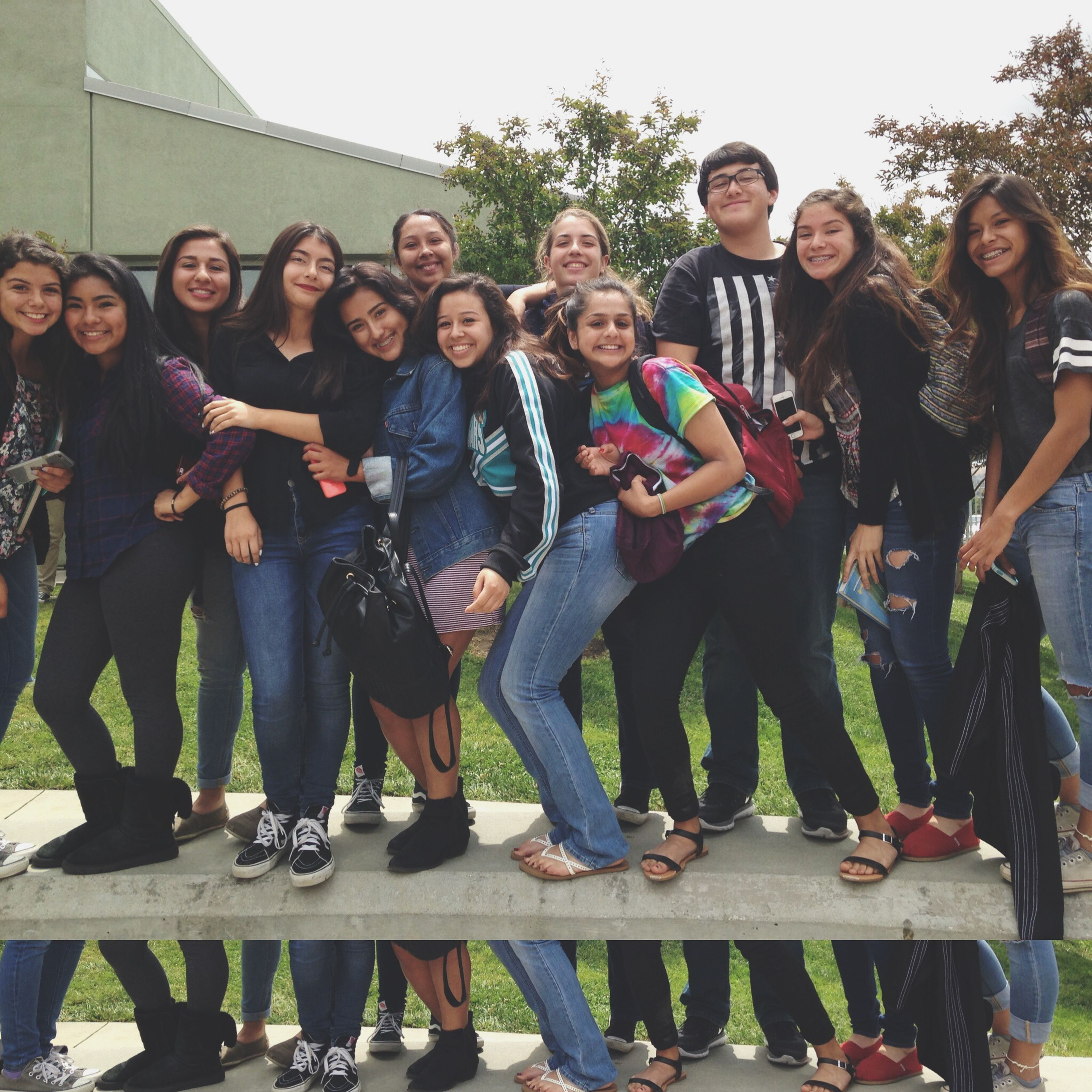 lifestyles, leisure activity, togetherness, casual clothing, enjoyment, happiness, large group of people, friendship, fun, person, bonding, full length, young adult, young women, standing, love, smiling, men