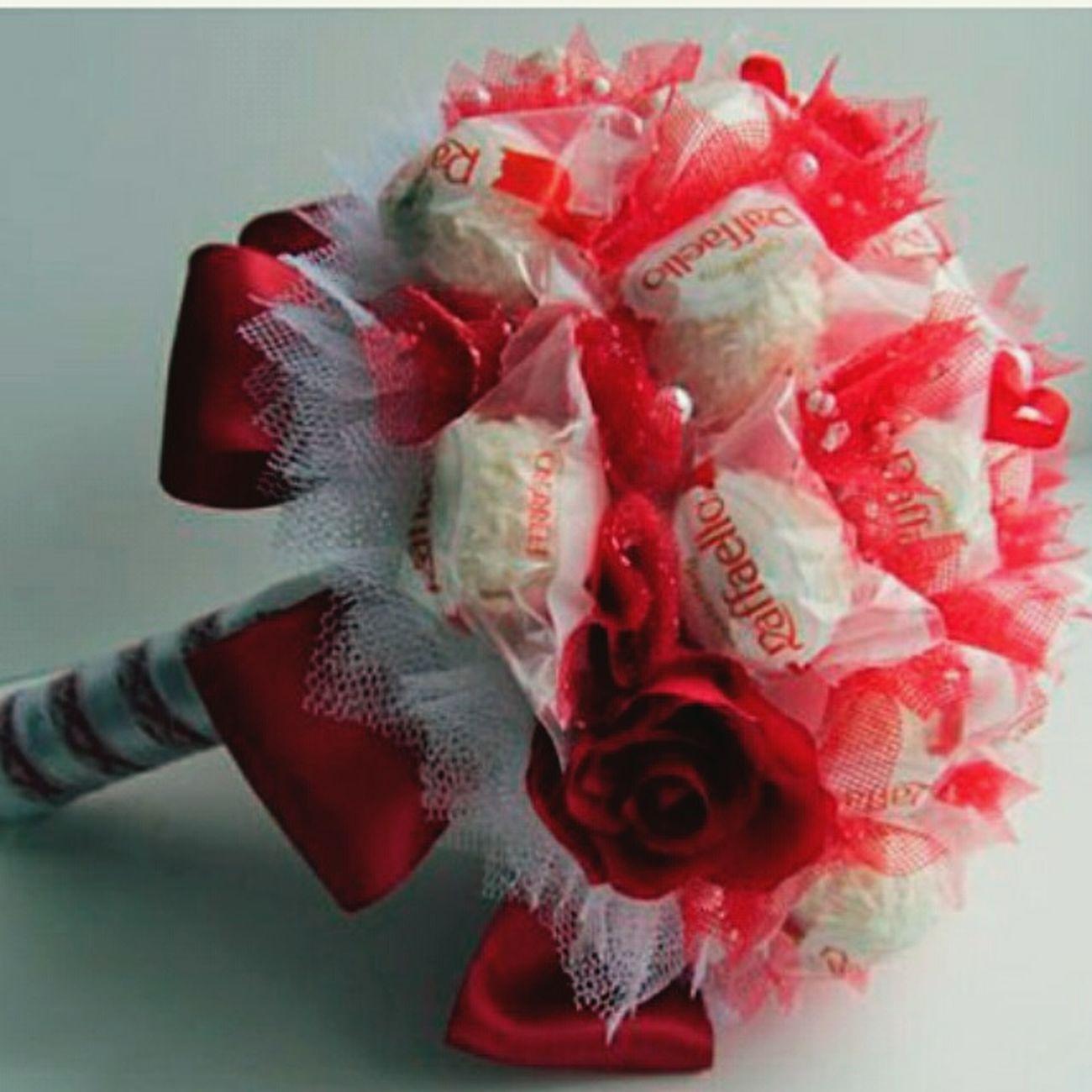 букетизконфет сладость подарок Handmade 8марта длялюбимой Raffaello Konfetka конфетка First Eyeem Photo