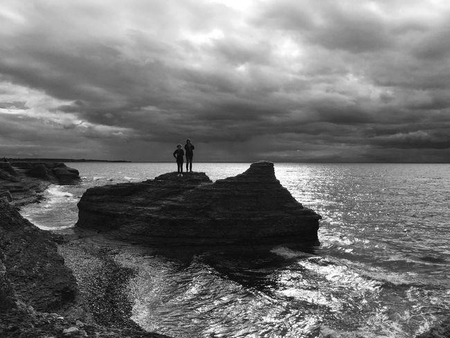 Horizon Over Water Tranquil Scene Scenics Sky Beauty In Nature Silhouette Monochrome EyeEm Best Shots - Black + White