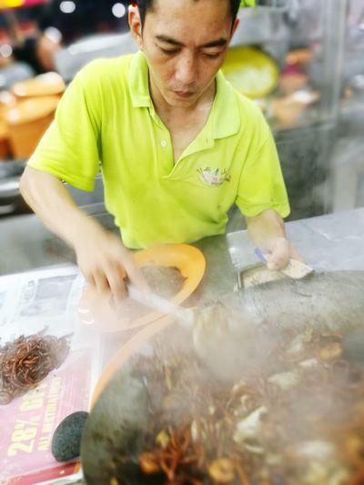 Dishing out the Hokkien Mee Hokkien Mee Malaysia Malaysian Food HuaweiP9 Petalingjaya