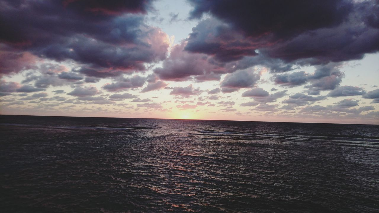 sea, water, horizon over water, tranquil scene, scenics, beauty in nature, tranquility, nature, sunset, sky, idyllic, beach, no people, rippled, cloud - sky, horizon, outdoors, day