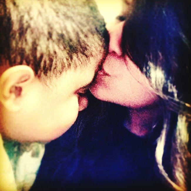 Prometo estar sempre ao seu lado ,meu anjo nunca vou te abandonar <3 te amooo filho