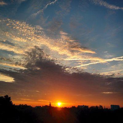 Joie du matin : lever de soleil depuis l'appartement Sunrise