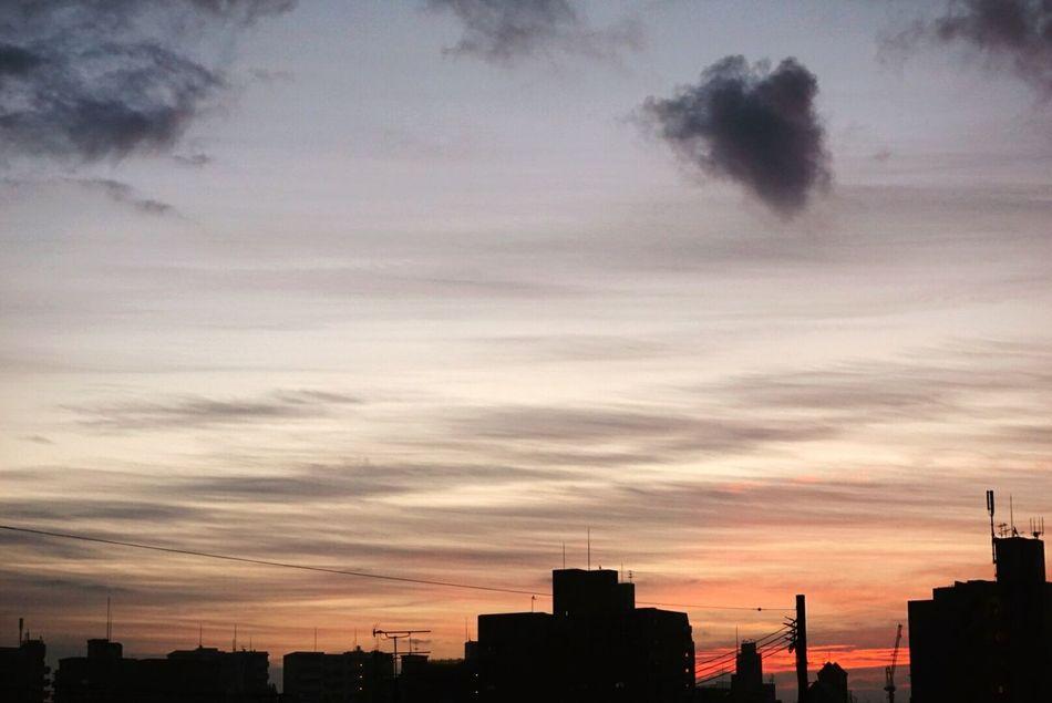 お久しぶりです。ここに来るとホッとします。ありがとう。 Fukuoka,Japan Sky And Clouds Sky Beautifulnature Beautifulnaturephotography Beautiful Pink Color ThankyouGod GoodMorningWorld ILoveSky