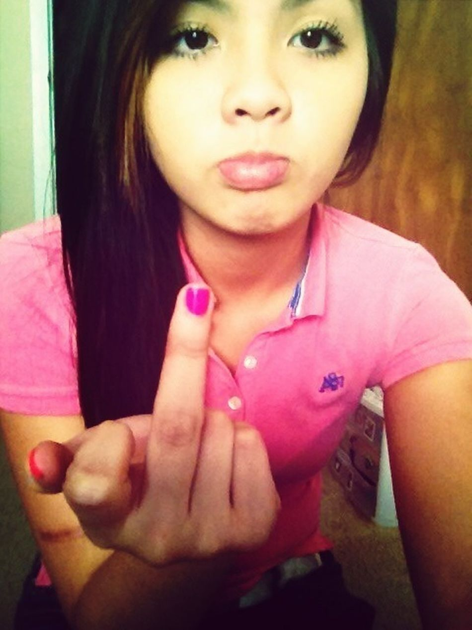 Han, & the retarded pictures she takes cx