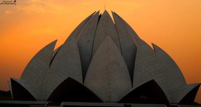 Delhi Delhi_igers India_gram Travelling Evening Sky Lotus Temple Goldenhour Traveler Architecture Phtooftheday
