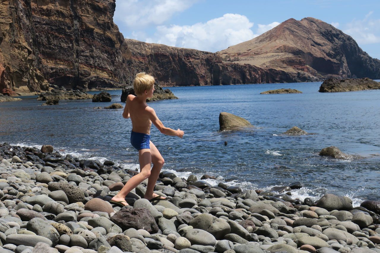 Beautiful stock photos of kinder, 10-11 Years, Beach, Beauty In Nature, Boys