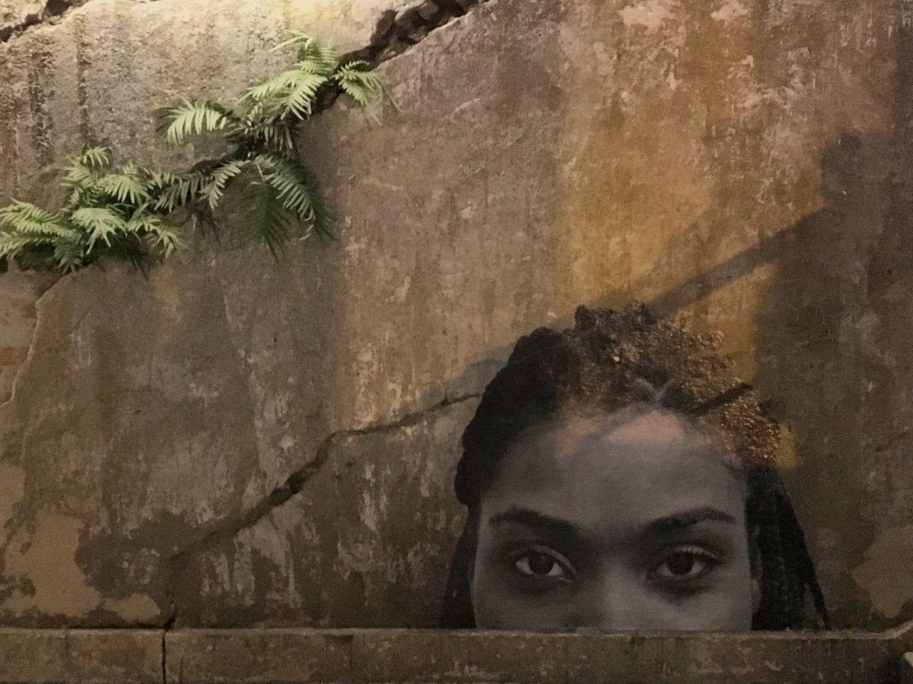 Look at me! Lookatme Human Face Headshot Real People Women Urban Photography Photo Art Streetart Sao Paulo - Brazil Projetoolhapramim