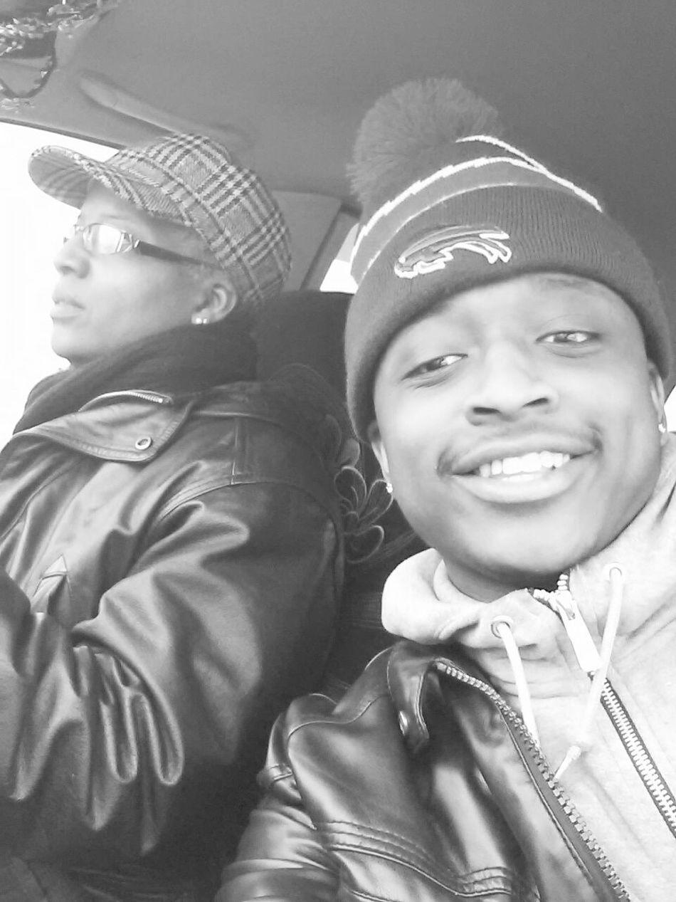 Me and Moms in Traffic.smile......Skkkkkrrttttt Hello World In Traffic Whippin whip Smile ✌