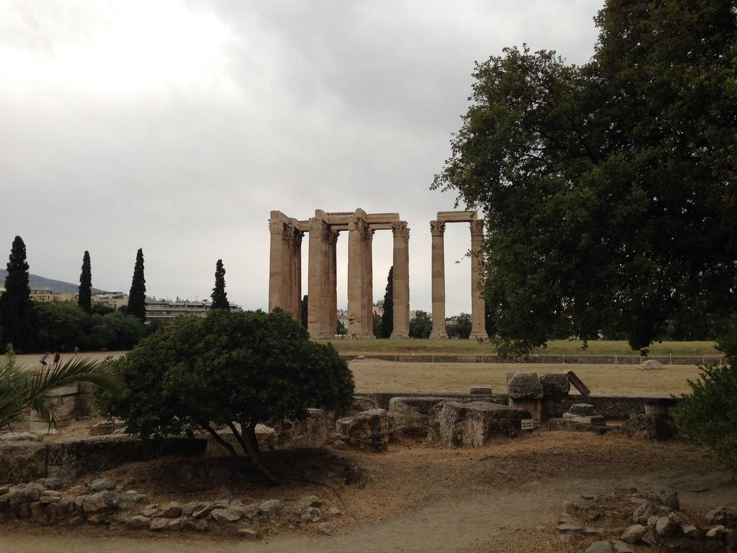 Temple of Zeus The Purist (no Edit, No Filter) Greece Grece Ancient Greek Architecture Traveling Greece Mythology History Temple Athens, Greece