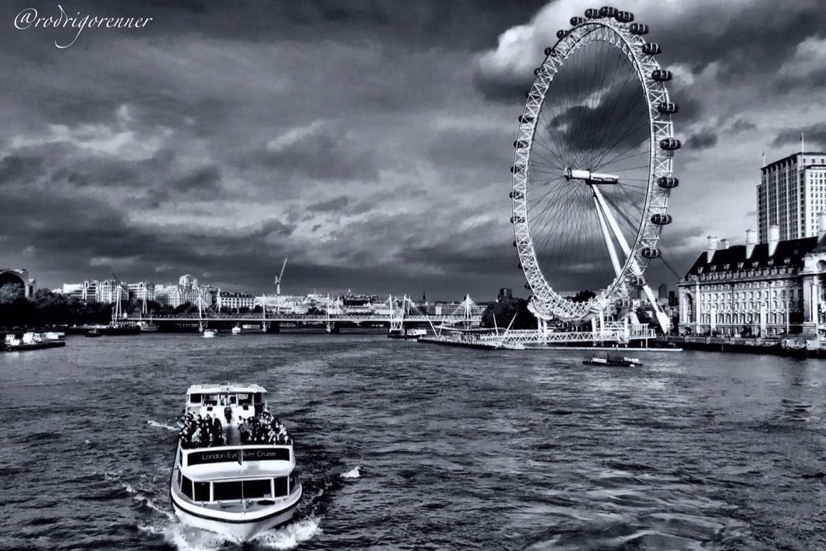 London (this week I will stay busy traveling and will use EyeEm a little less...) good night God Bless by Rod
