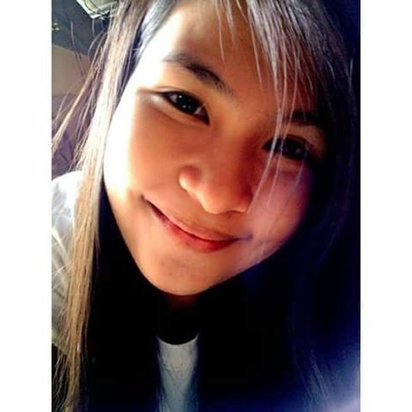 The smile of feeling-cute haha. 😅✌