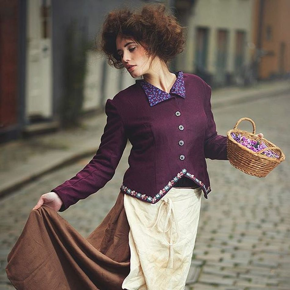 Eliza... Portrait Strobist Visico Onelight Throwback Hairnmakeup Costume History Literature Myfairlady Handchristianandersen