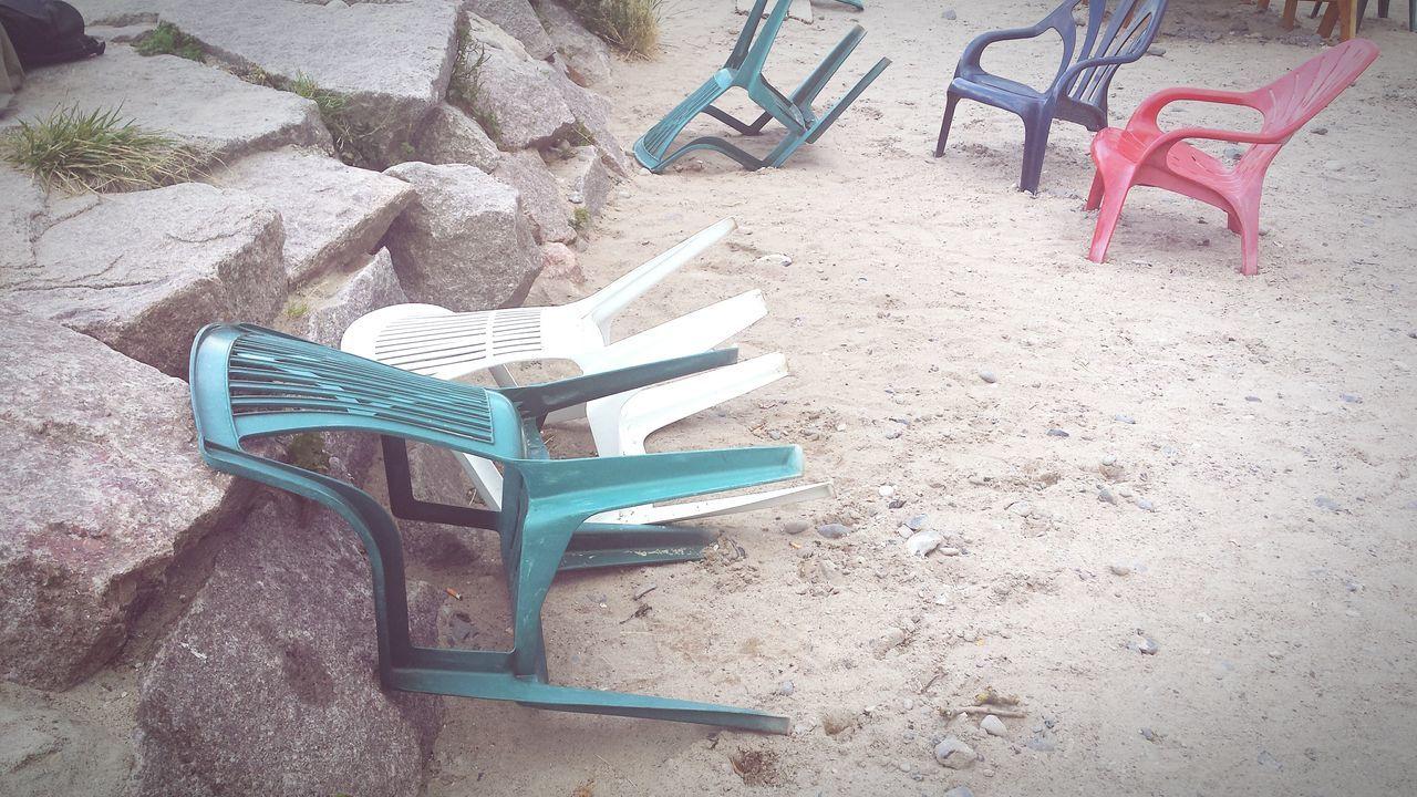 Drunken Chairs Summer