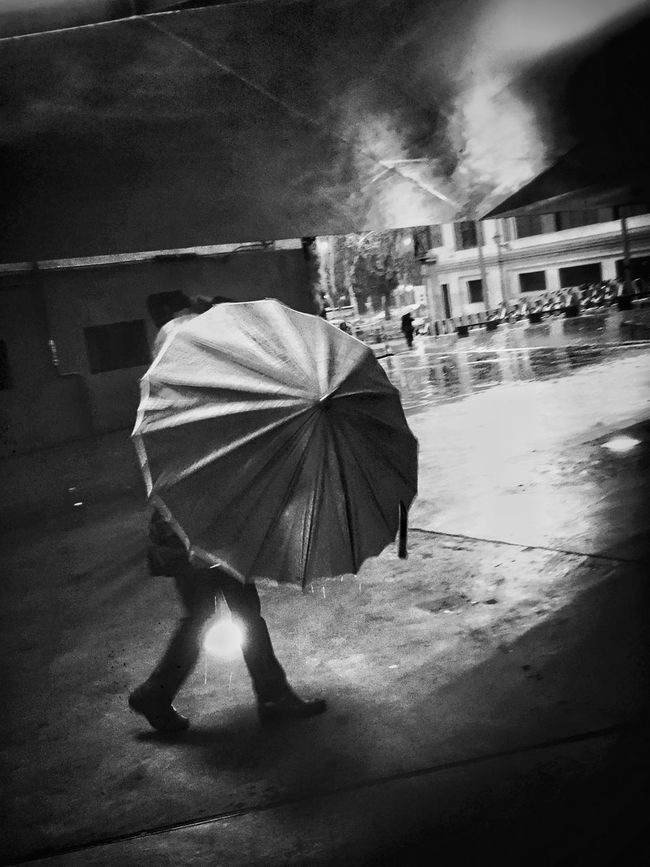 Streetphotography Streetphoto_bw NEM Black&white Streetphotography_bw Contrast IPhoneography Blackandwhite NEM Street Monochrome Madrid Street Life Life In Motion Umbrella Rain Flaneur AMPt - Street Blancoynegro Street City Night Nightphotography City Lights