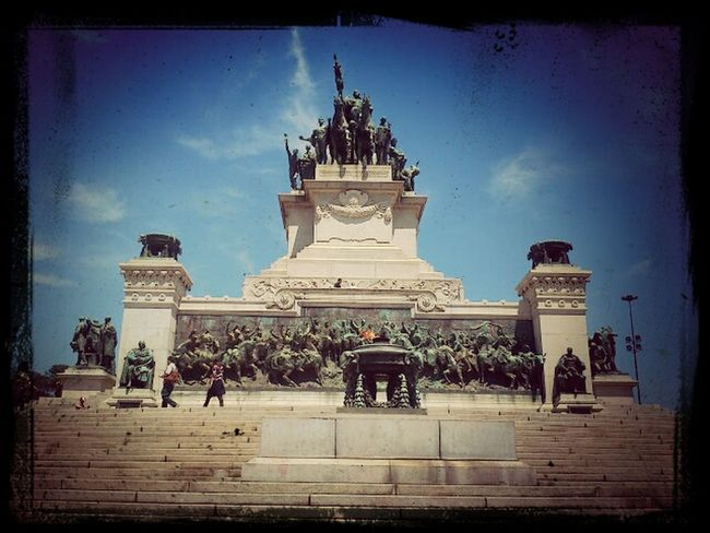 GetYourGuide Cityscapes Historical Monuments Independence
