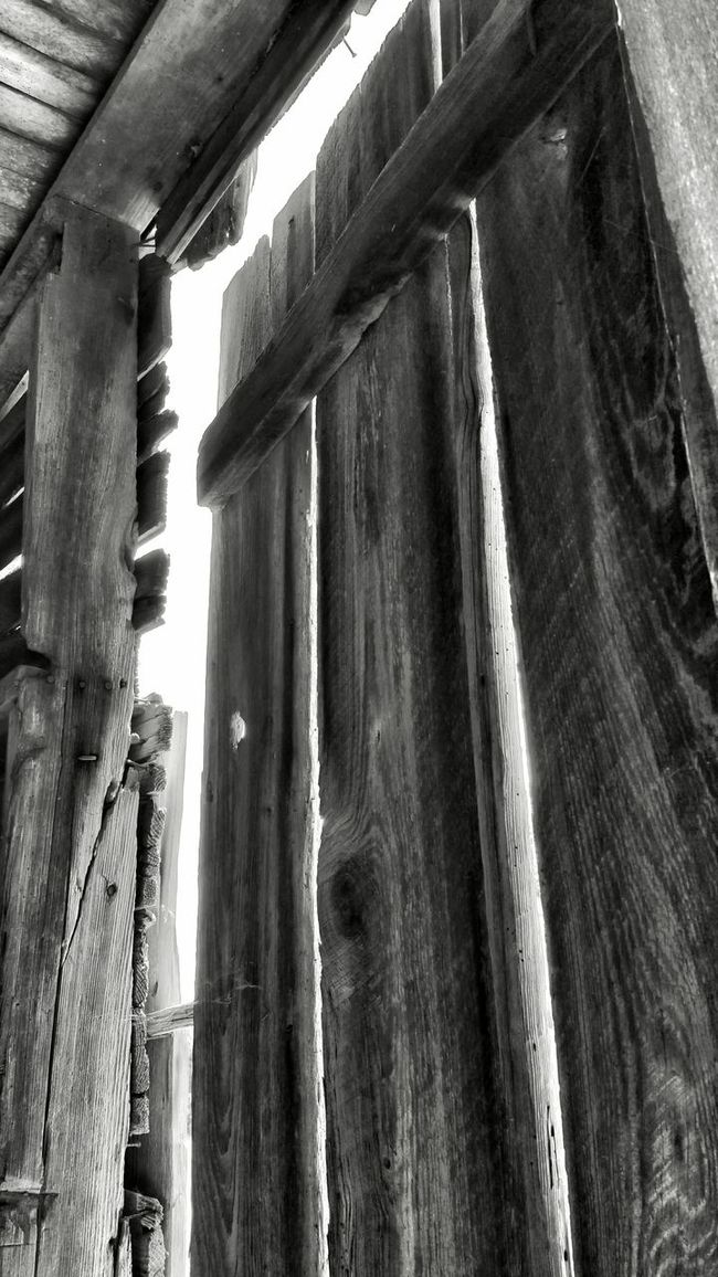 Check This Out Black And White Photography Antiquated Technology Time Forgotten Taking Pictures Enjoying The Sights Sunlight Obscured Doorway
