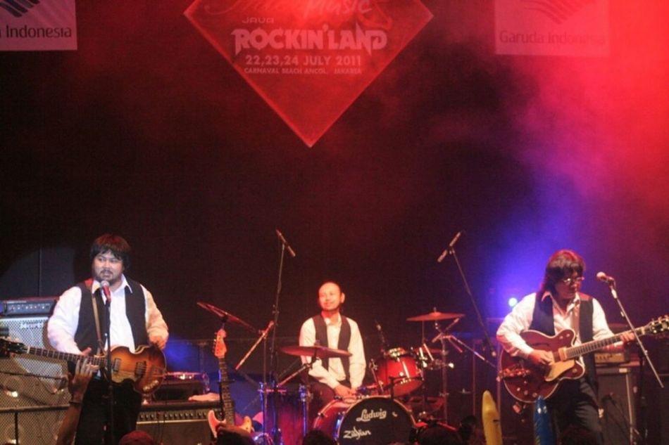 @GPLUCKBeatles Band