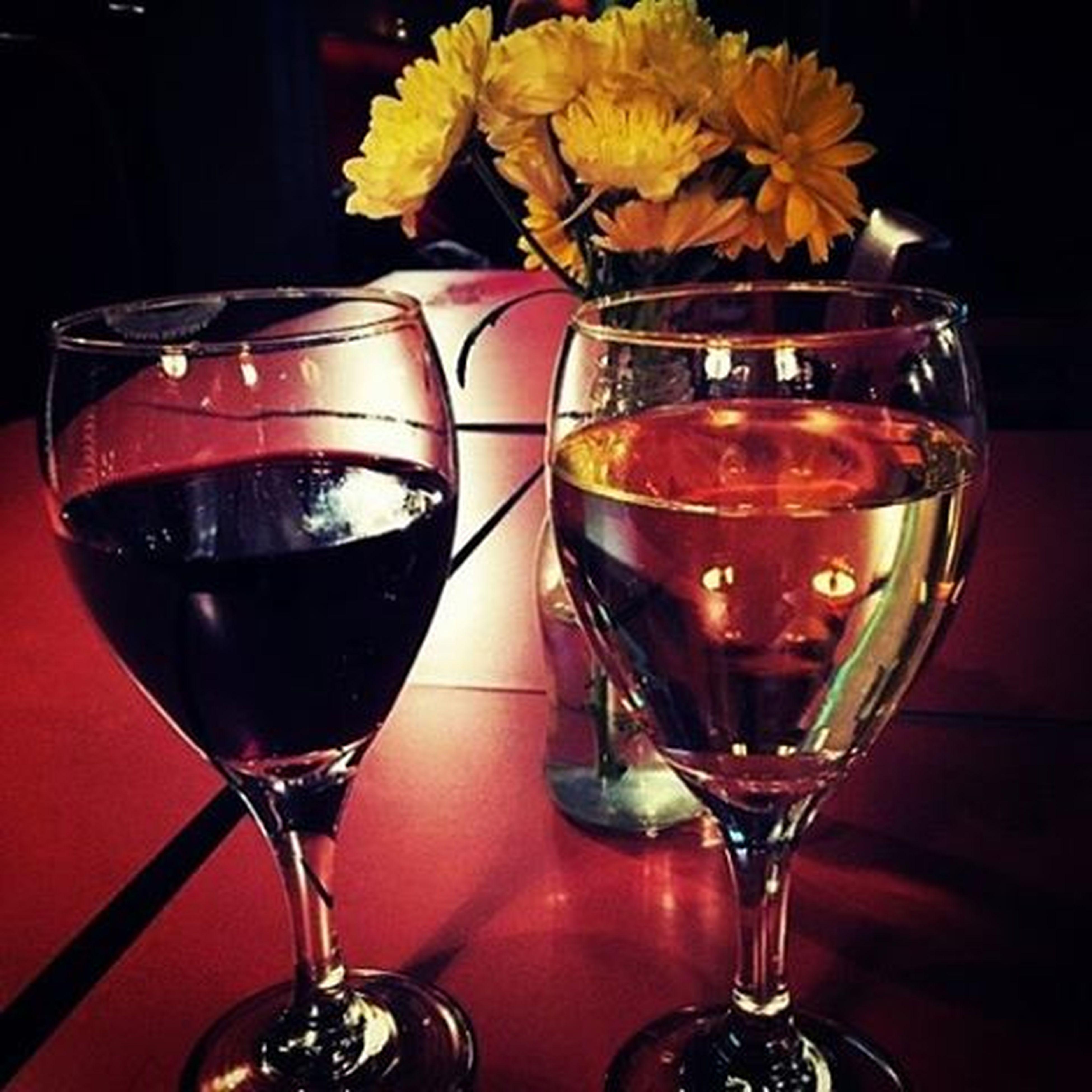 Βάλε κρασί στου φίλου το ποτήρι κι ασ'τη μοναξιά να κάνει χαρακίρι.•{January 6th} Athens Vinsanto μαυροματαίων ελεωνοράκι πιέςζουζουνέλιπιές Wine Red White FriendsAreFamily Havingfun Nightout πίνουμεγιαναξεχάσουμε είμαστετόσοyolo πουταανακατεύουμεκιόλας τοchristmasτοmoodακόμαστιςκαρδιέςμας λοβιζινδιεαρ VSCO Vscogirls Vscofriends Vscolove Vscowine Vscofun Vsconights Instagreece Instaathens instalovelovelove instalifo