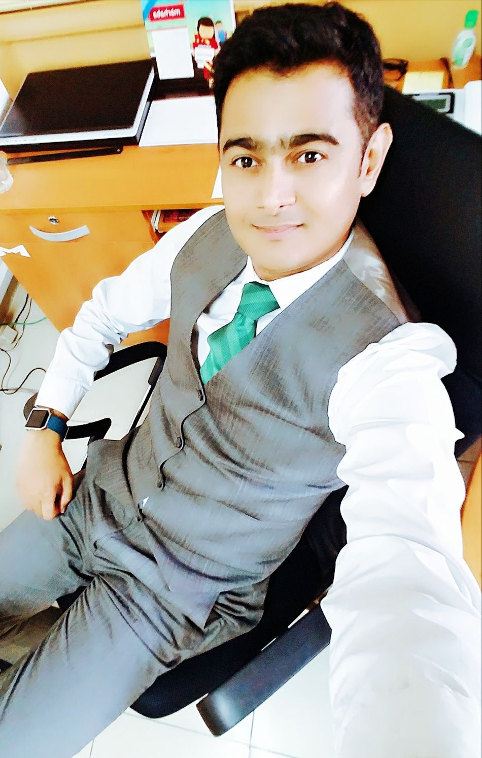 Looking At Camera One Person Portrait Indoors  Sitting Adults Only Adult Today's Hot Look That's Me HERO MFR Its Me Mfrbphotography Karachi Man Cool Pakistan Hi Hello World ThatsMe Rathod Check This Out Lifestyles Well-dressed Confidence