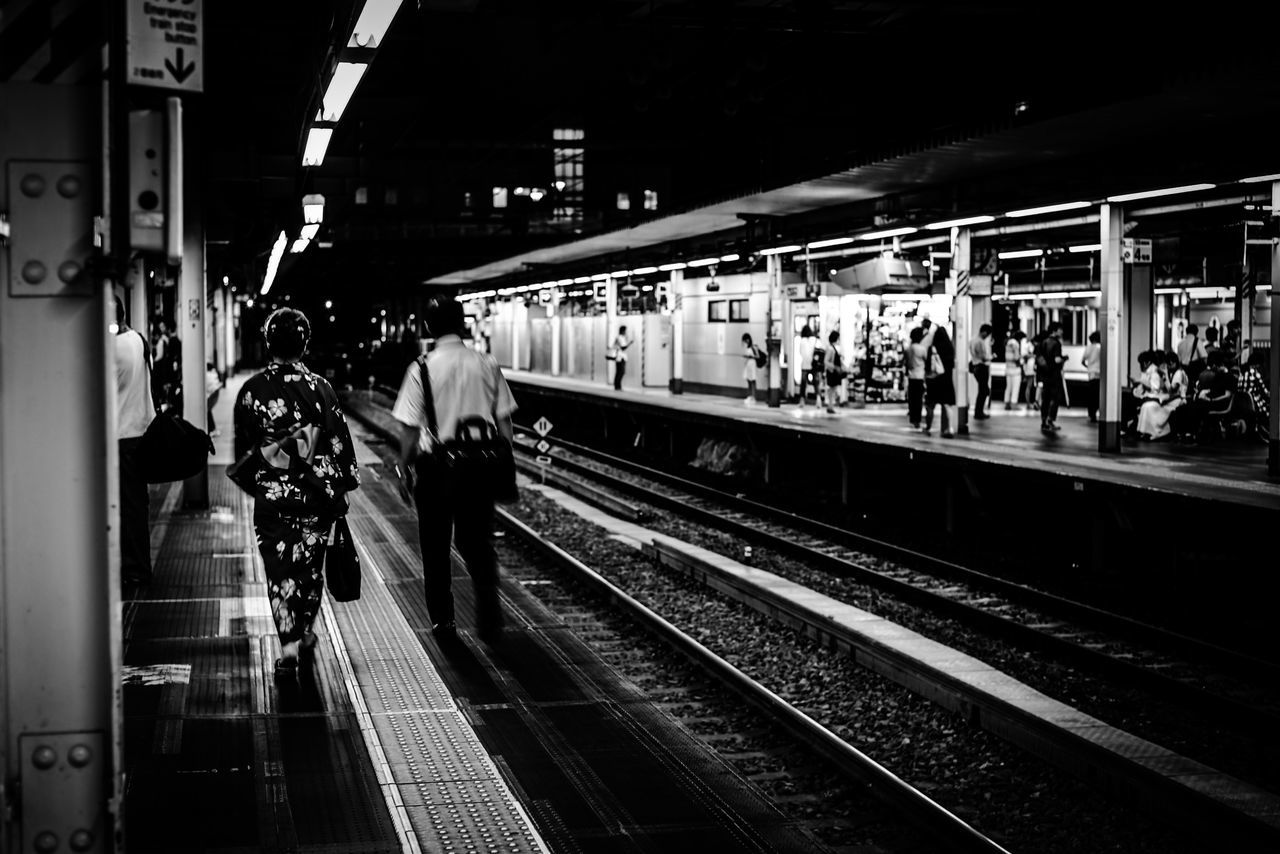 EyeEm EyeEm Best Shots EyeEm Gallery EyeEmBestPics Station Week On Eyeem Stations Station Platform SHINJYUKU Tokyo,Japan Tokyo Japan City Nightphotography Snapshots Of Life Streetphotography Snapshot EyeEm Bnw Bnw_collection City Life YUKATA