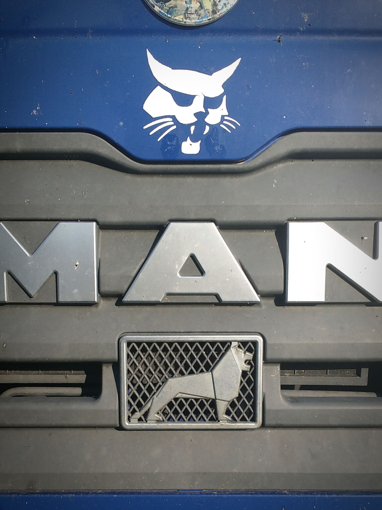 Man Lion Car Track Truck Car Blue Long Vehicle Old-fashioned Hello World Check This Out Taking Photos Photo EyeEm Best Shots Tilt