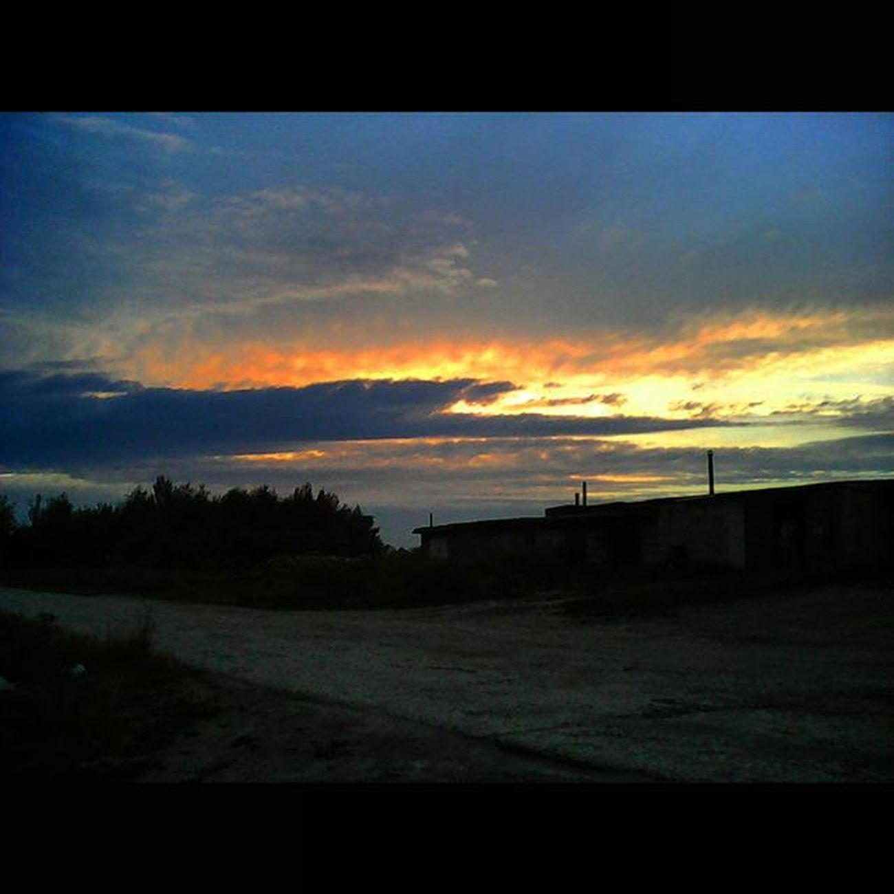 Закат АУНасНеВоДворе Sunset BeautyfulSunset SquareInstaPic ПоДорогеСОблаками ПоДорогеСОблаками☁☁☁☁☁☁☁ ☁