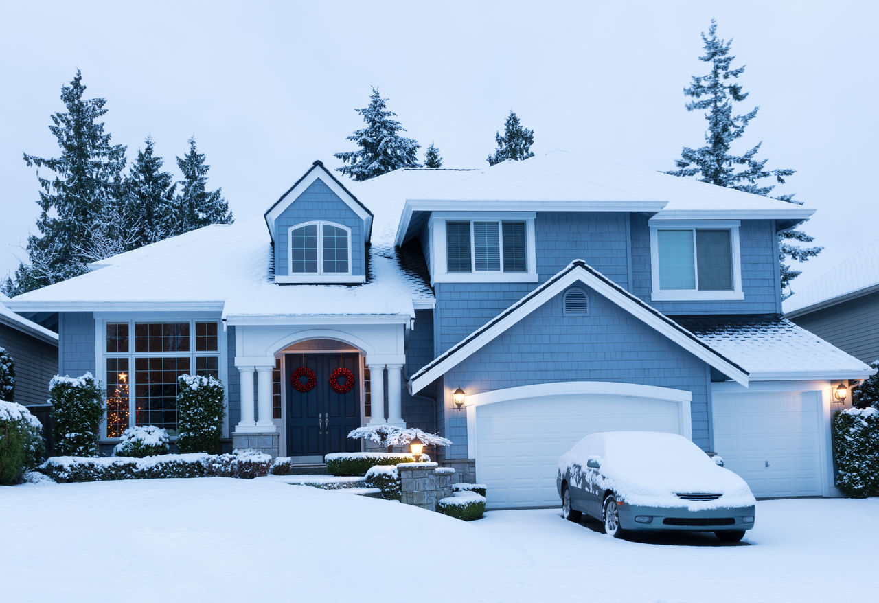 Beautiful stock photos of weihnachtsbaum, winter, cold temperature, snow, house