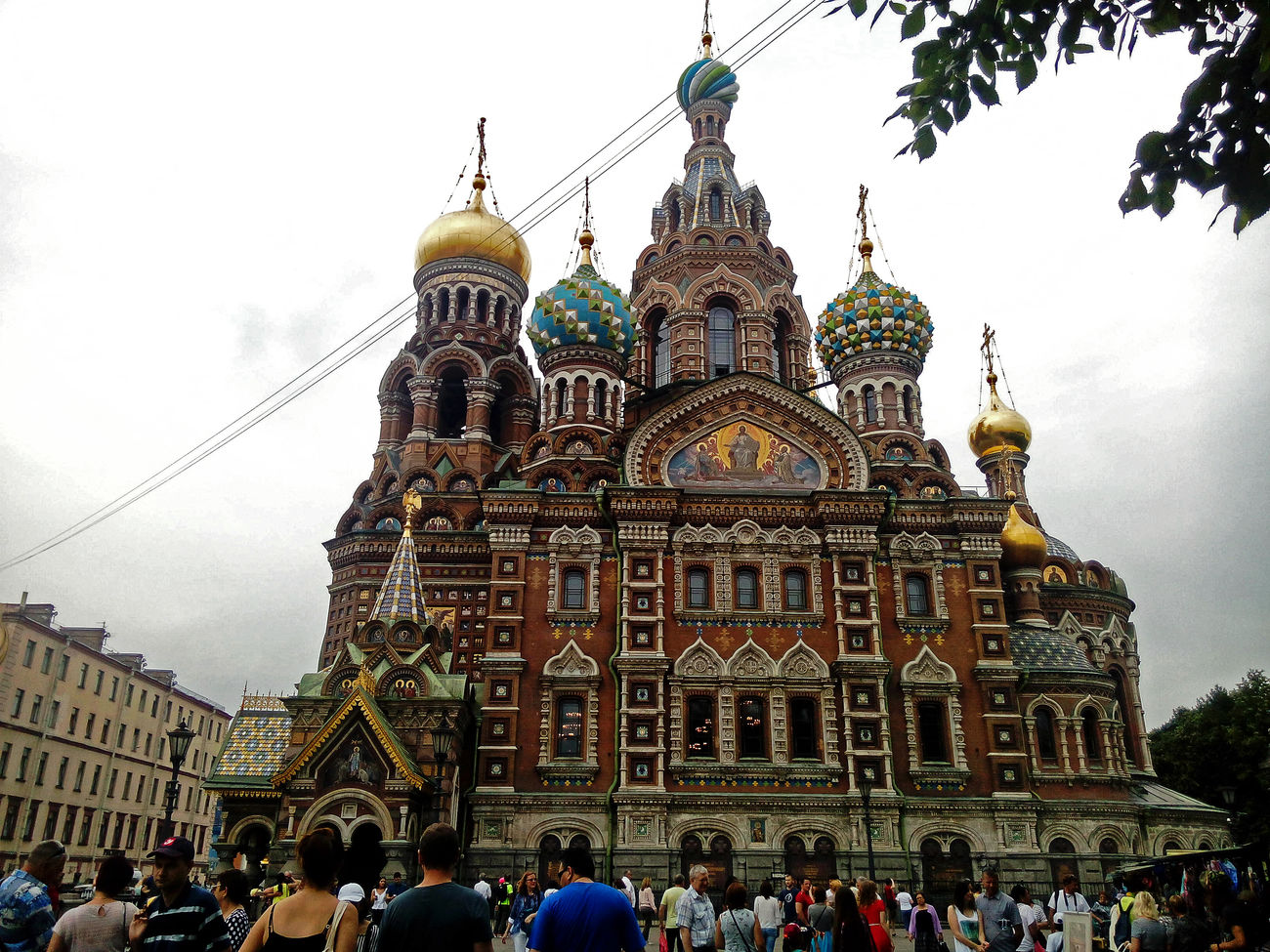 Architecture Dome City Building Exterior Gold Colored Large Group Of People Travel Destinations People Religion религия канал грибоедова Griboyedov Canal Спас на крови Savior On The Spilled Blood History искусство история культура Санкт-Петербург Самый лучший город St.petersburg Питер Russia Life Celebration