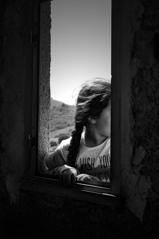 Je serais toujours là. ♡♡... bonne semaine a vous. .. Blackandwhite Photography Children's Portraits