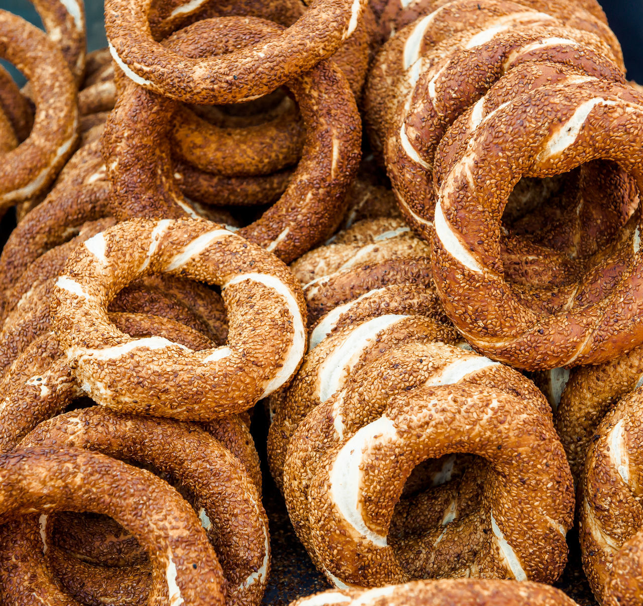 Turkish bagel, also known as simit. It is a circular bread with sesame seeds Alanya/Turkey Antalya Turkey Bagel Bakery Bread Brown Circular Close-up Food Fresh Homemade Lot Many Middle East No People Objects Pastry Sesame Seed Simit Street Food Tasty Traditional Turkey Turkish Bagels Turkish Bazaar