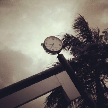 Instawalkbandra Watch Old 8 .30JoggersPark Fun Mumbaikar Mumbai_igers Folloeme Likeme Me Likeforlikes Folloeforlfollow Mumbai_mumbaikar