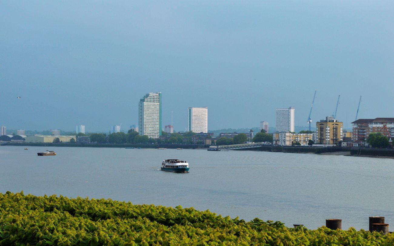 Cityscape London Canary Wharf Day Outdoors Boatrides Cloud - Sky
