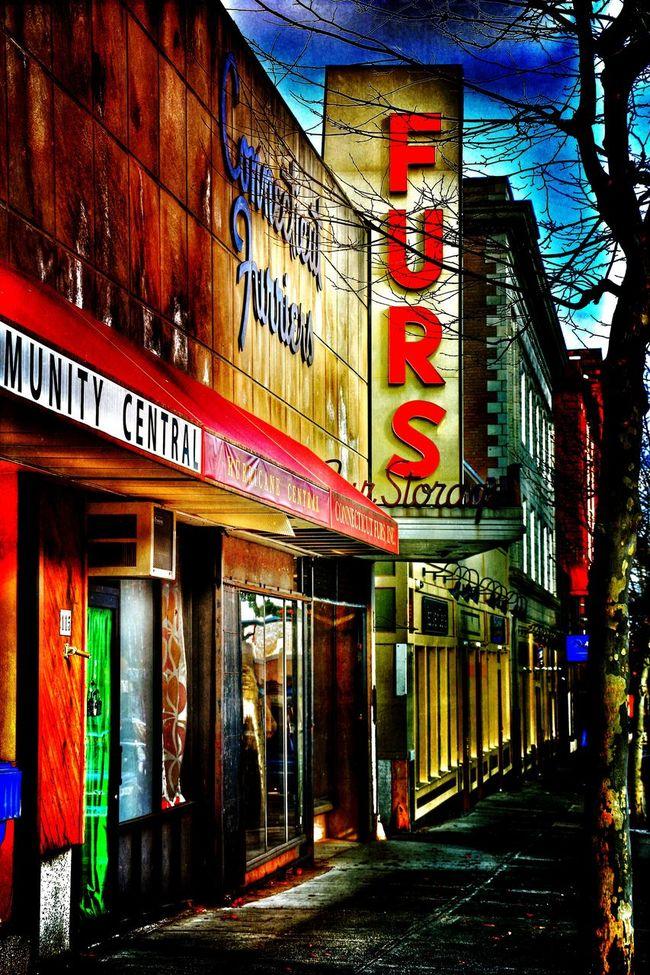 Roadside America Fürs Overedited Exploring Pop Of Color