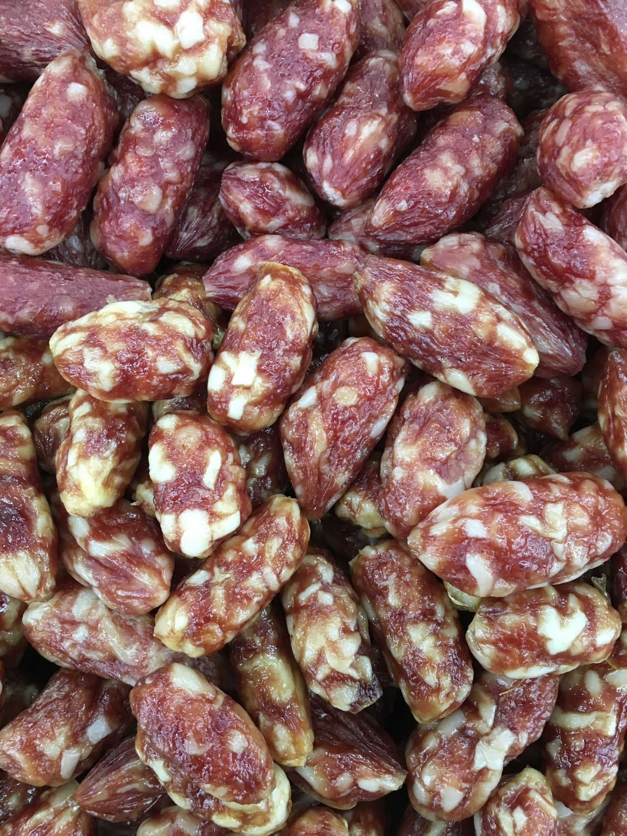 Chorizo Salami Pork Sausage Chorizo Deli Meat Chorizos  Salami Sausage Meat Delicatessen Food Produce Food Photography Food Porn Food And Drink Backgrounds Cuisine Pork Sausage Spicy Sausage
