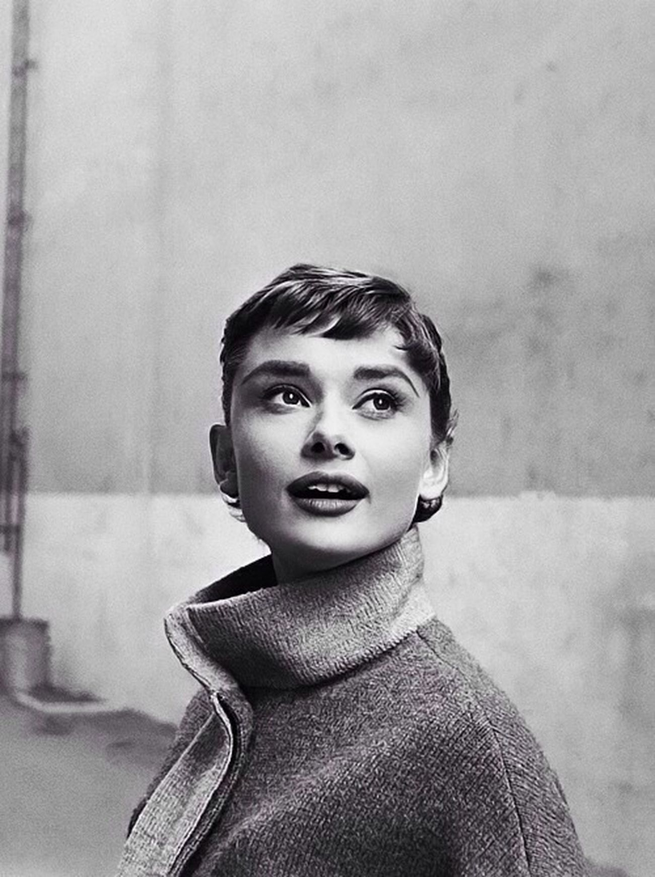 """""""Elegance is the only beauty that never fades."""" Portrait Blackandwhite Audrey Hepburn Beauty"""