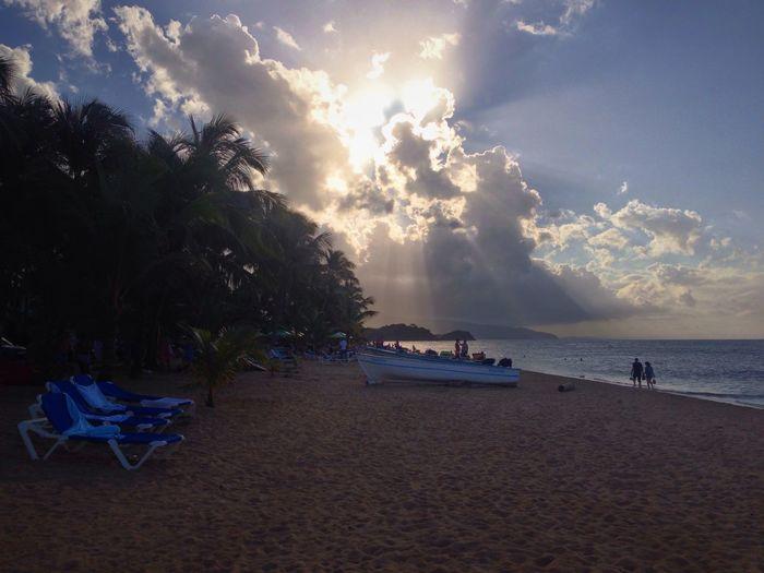 Great lights, great sky, great clouds, great beach Clouds Sky Sunset Sea Beach
