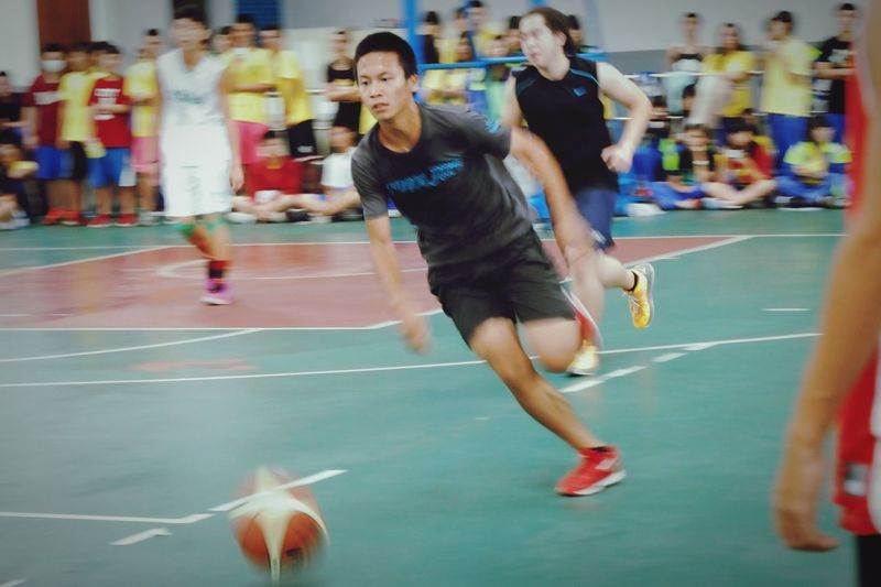 Be confident! You are always perfect.Athlete People Photography Excercise Excercise Time Young School Life  Sports Photography Sport Boy Eyeemsports Basketball Basketball Game Basketballplayer