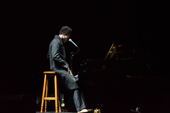 Benjamin Clementine Black Background Con Concert Dark History Men Night Performance Person Sky Standing Studio Shot