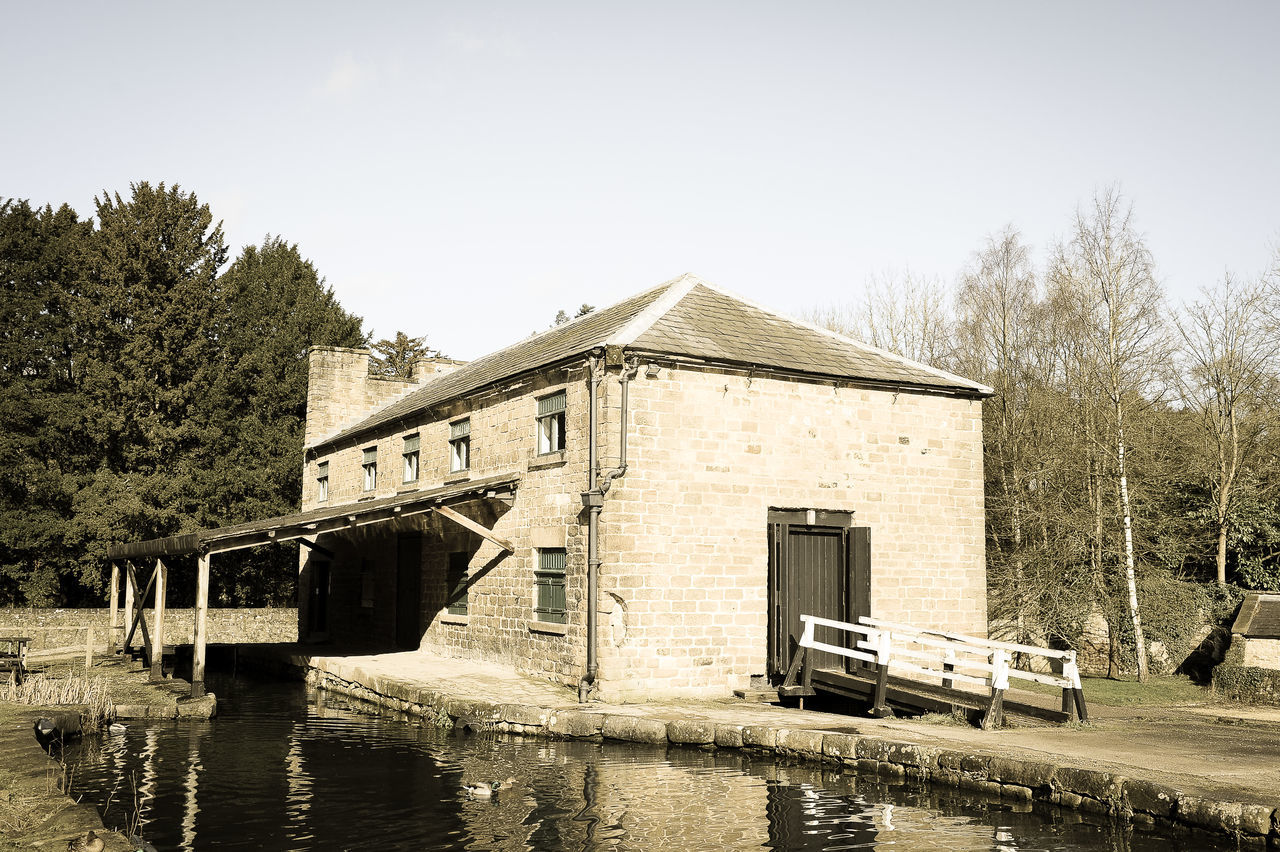 Architecture Building Exterior Canal Industrial Heritage Narrowboat Obsolete Outdoors Past Times  Ruined Vintage Wharf