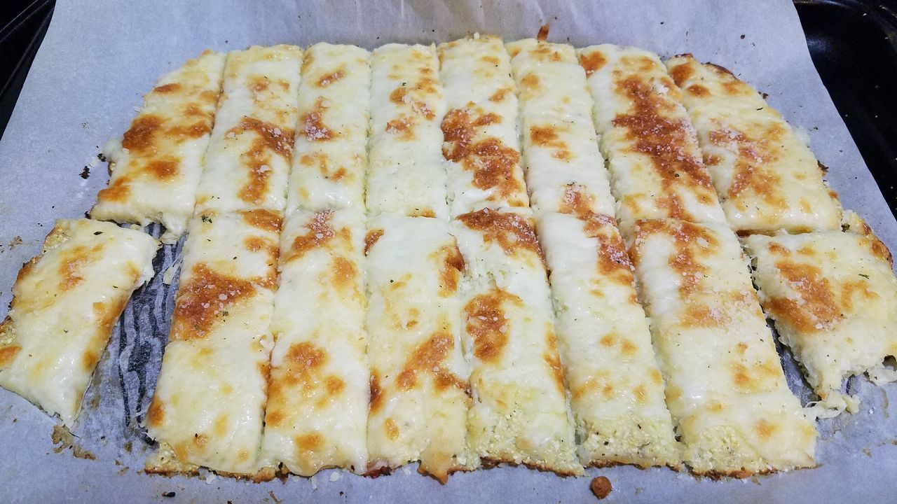Low carb cauliflower cheesy breadsticks Low Carb Low Carb Recipe Breadsticks Food Cauliflower Cheese Burnt Cheese