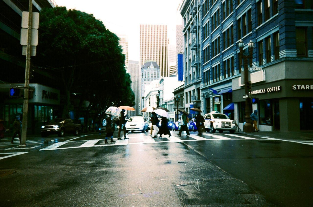 Film Film Photography Lomography Lomo Turquoise City Street City Life NATURA Classica Koduckgirl Rainy Day The City Light