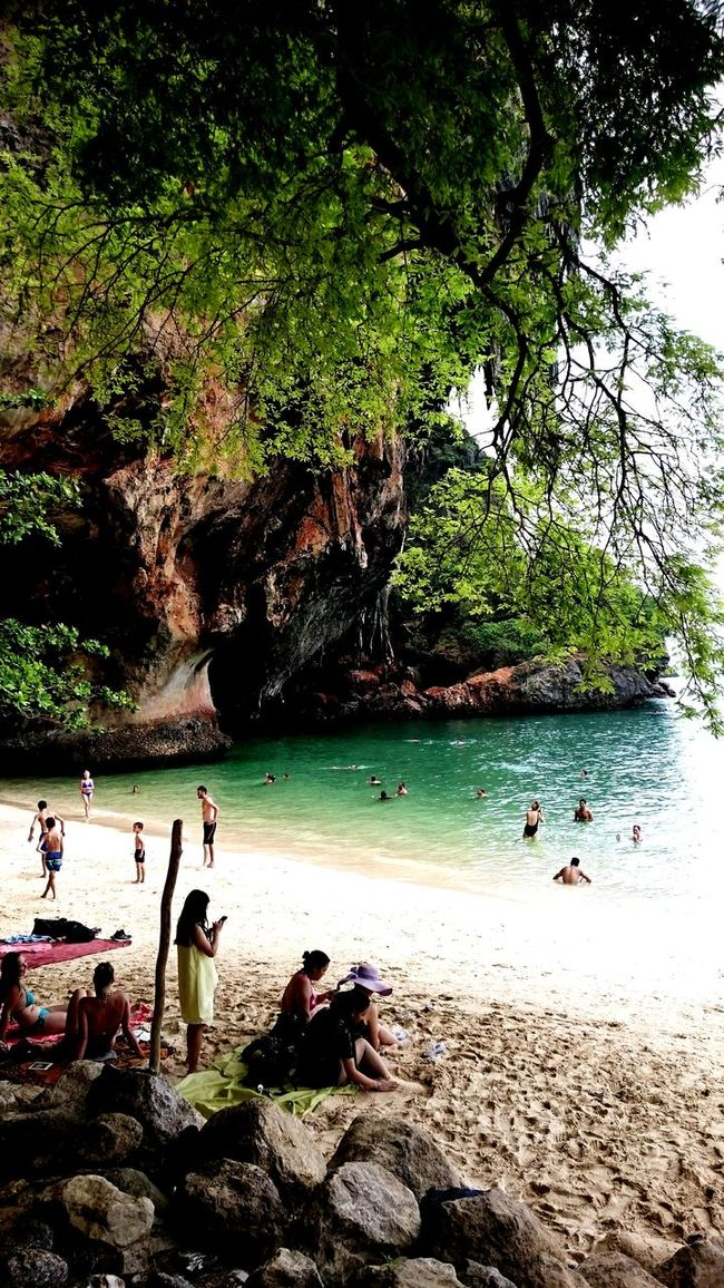 Thailand Strand Affen Taking Photos Backpacker BackpackersMemories Photography Backpackerlife Backpacking Backpack Traveling Hanging Out Mountains