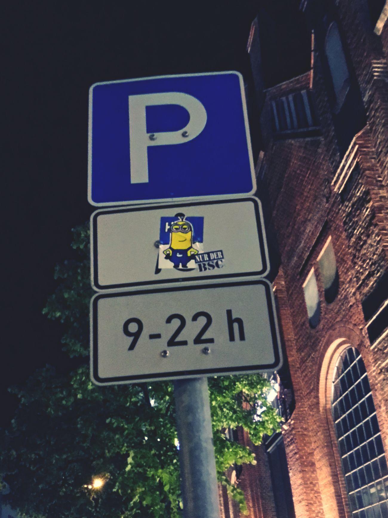 MiNiONS PARKiNG ONLY! Minions Parking Lot Parkingarea Hertha Borsighallen Berlin Reinickendorf Streetart Sticker Stickerart Stickerwars