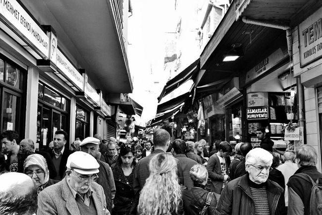 Istanbul Turkey Grand Bazaar Crowd Market City Souk Traveling Travel Photography Travelphotography Turkeyphotooftheday Marketplace