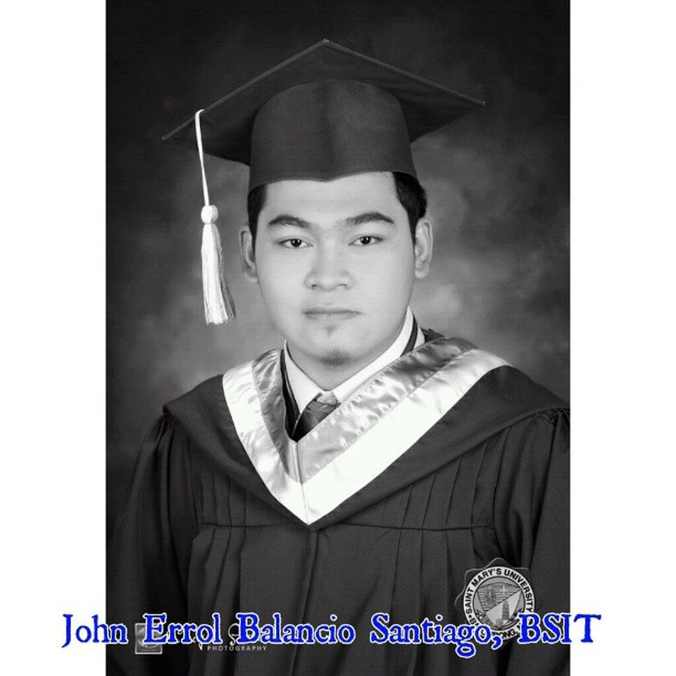 Late post... My Graduation Picture... :-) Graduationpicture Graduate ProudMarian SaintMarysUniversity selfpotrait photooftheday Black and White Version