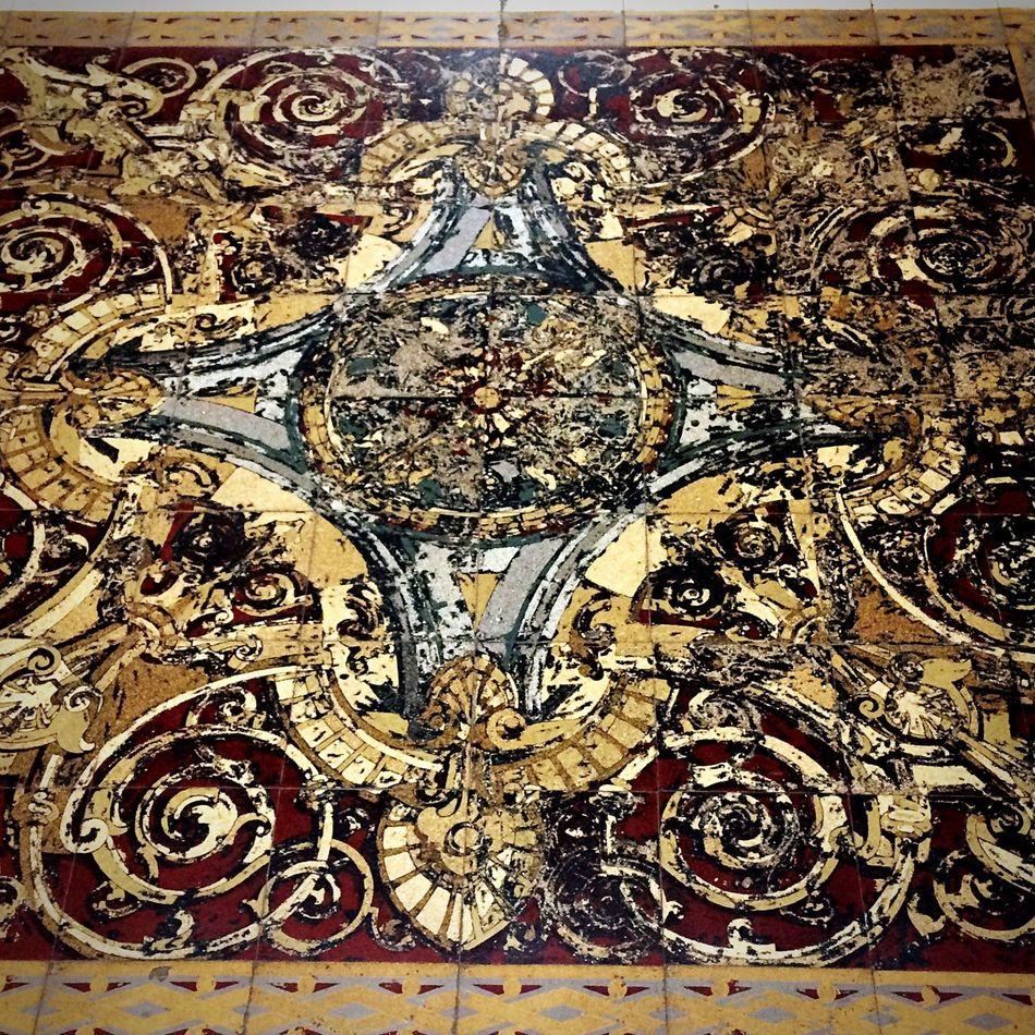 Old carpet Architecture